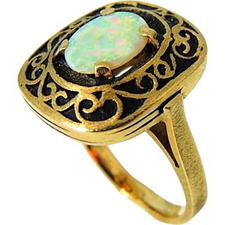 Vintage Australian Opal Ring 14k Gold Heavy Setting Vintage Victorian Style