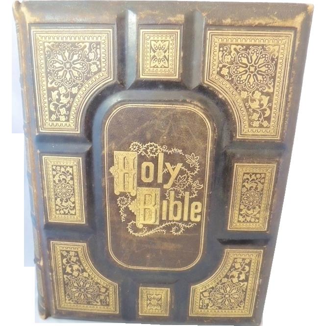 Antique Bible Cassells Illustruated 900 ENGRAVINGS