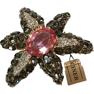 Spectacular BEAUTY *Ciner Starfish Pin Brooch*Vintage New Old Stock!!! Crystal Stone Belly