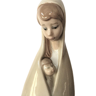 1971-74 Lladro Madonna  Girl with Child  RETIRED #4636
