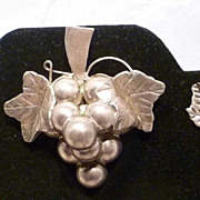 1940s Mexico Sterling Handmade Grape Motif Pin & Earrings Set