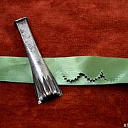 "Victorian Pinking Tool, Make Van Dyke Scalloped Edges 7/8"" Dolls, Trims #3"