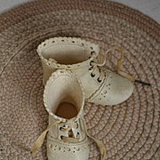 Antique French Doll Boots, Scalloped Soft White Leather, Orig Laces