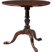 English Georgian Antique Tea Table in Mahogany, 18th Century c. 1780