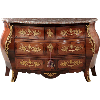 French Louis XV Style Antique Commode Chest of Drawers, 19th Century