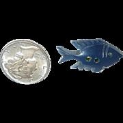 Bakelite Blue Fish Button Realistic Figural Goofy