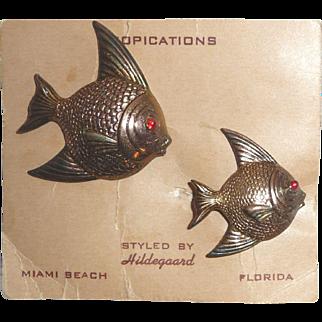 "Vintage Mother & Daughter Gold Fish Pin Brooch Set Miami Florida Souvenir MOC From ""Tropications"""