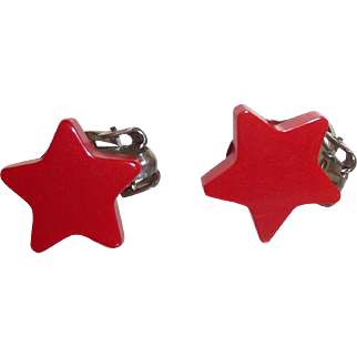 Beautiful Bakelite Realistic Patriotic Figural Red Star Earrings