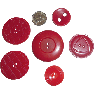 6 Vintage Bakelite Buttons 5 Different 1 Pair Puffy Pillow Design