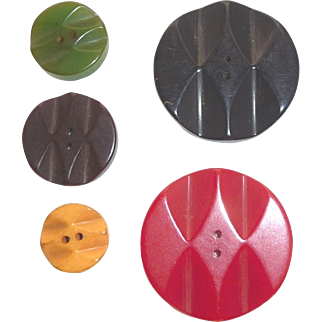 Beautiful Set of 5 Bakelite Deeply Carved Buttons Different Colors Different Sizes