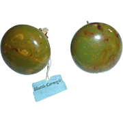 Hattie Carnegie Mottled End of Day Bakelite Button Style Clip Earrings Original Tag