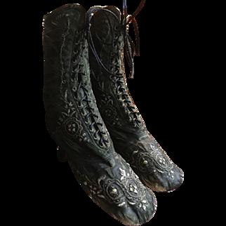 Antique circa 1867 black silk and Embroidered Ladies boots Paris