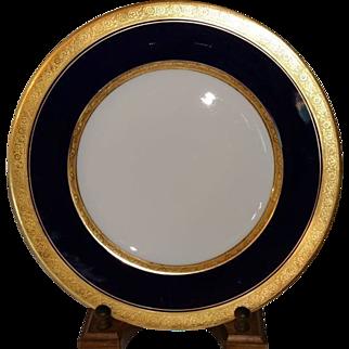 """Hutschenreuther Selb Bavaria Cobalt Blue Gold Encrusted Border Trim 10 3/4"""" Plate"""
