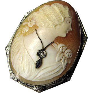 Antique Cameo in 14K Gold Frame with Diamond