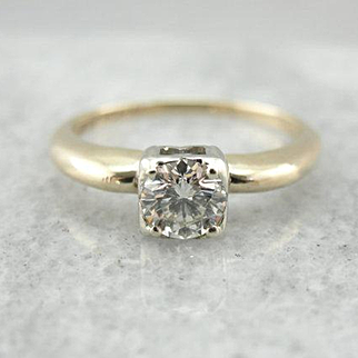 Lady America, A Vintage Solitaire Engagement Ring with Bright Diamond