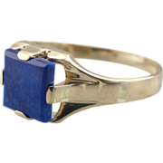 Sleek Royal Blue Mens Lapis Ring in Fine 10K Gold with Clean Lines