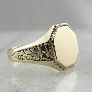 Art Nouveau Organic Motif Signet Ring in 10K Green Gold from 1930s