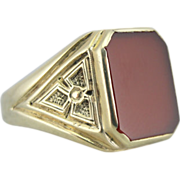 Vintage 14K Green Gold and Red Sardonyx Ring