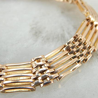Gate Link Style Vintage Bracelet in 9K Yellow Gold