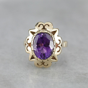 Scallop Framed Amethyst 14 Karat Gold Cocktail Ring
