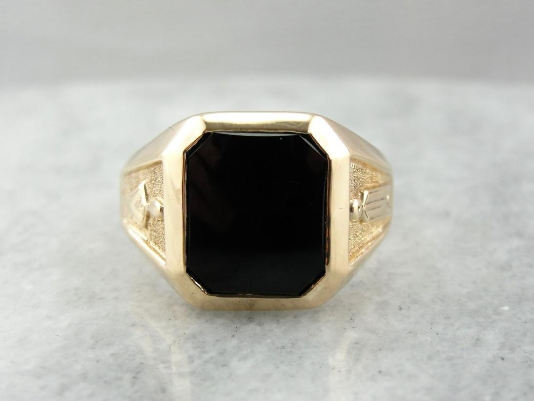 Onyx ring symbolism