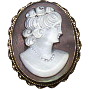 Vintage 14 Karat Cameo Mother of Pearl on Abalone