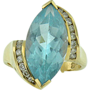 Vintage 14k yellow gold sky blue topaz &  diamond ring