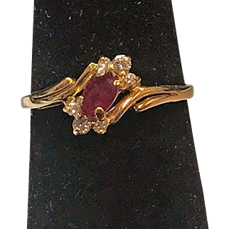 14k Yellow Gold & Diamond Accent Side Stones  Ring