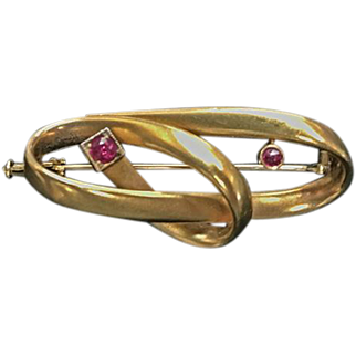 22 K Yellow Gold & Ruby Double Knot Brooch 1920's