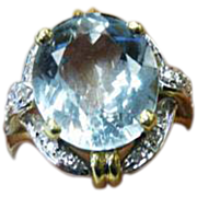 18 K Yellow Gold  Oval Aquamarine & Diamond Ring