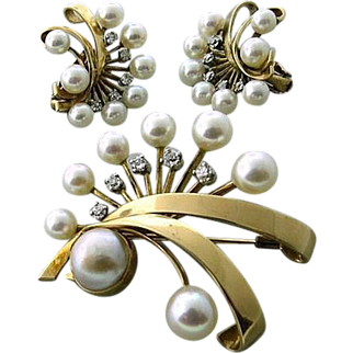 Superb Retro Modern Earring and Brooch Set in Fourteen Karat Gold