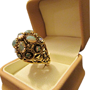 1960s Vintage Opal Dome Ring in 14 k Yellow Gold