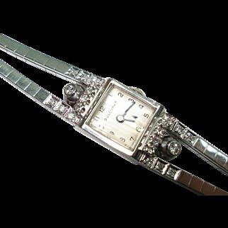 14 Kt Gold Diamond Ladies Bulova Wristwatch Matching Diamond Double Band