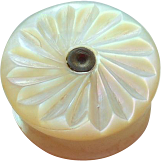 Small Mother Of Pearl Thread Waxer c1840