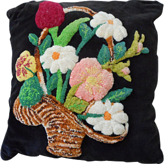 Vintage Tufted Flower Basket Pillow.
