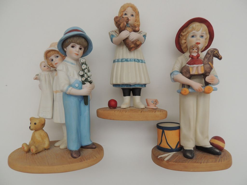 Three Jan Hagara Figurines