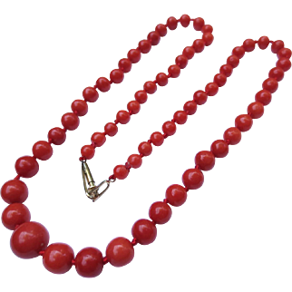 Lovely Victorian Salmon Coral Bead Necklace Strand