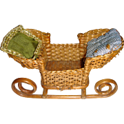 Old sledge basket for dolls