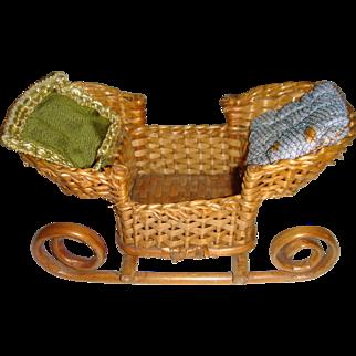 Old sledge basket for dolls
