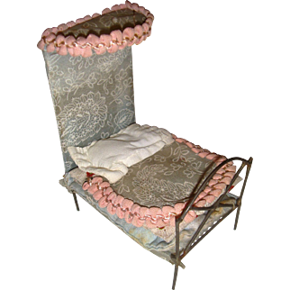 Metal bed with canopy for small doll or dolls house