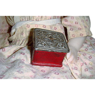 Miniature silver topped box for FF doll