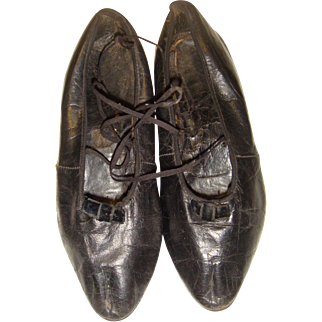 Girls 19th century leather shoes