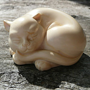 Curio Cabinet Cat - Netsuke Style - Franklin Mint - ca. 1986-88