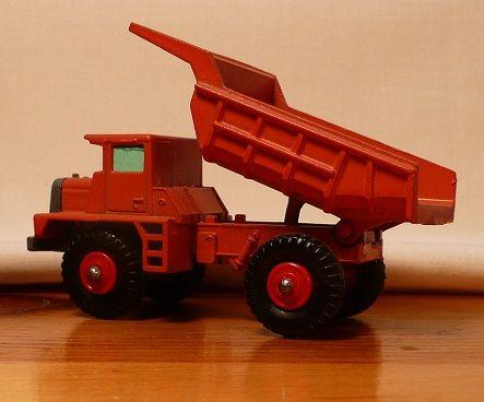 Matchbox #28d - Mack Dump Truck - ca. 1968-70