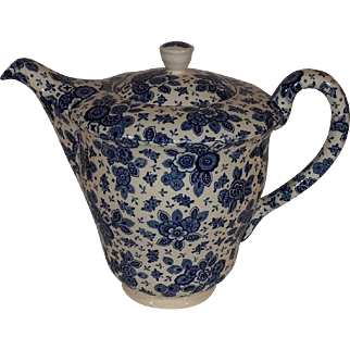 Beautiful Dutch Delfts Blue Porcelain Coffee Pot. from the Beatrix Series.