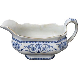 "Burgess & Leigh, Middleport Pottery, Burslem, ""Leighton"" Blue Transferware Gravy Boat, circa 1899-1912"