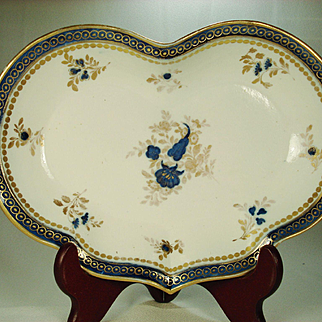 Caughley English Porcelain Dessert Dish, 1780's