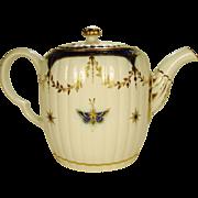 Caughley English Porcelain Teapot, 1780-1790