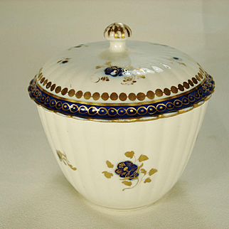 Caughley English Porcelain Sugar and Cover, 1790