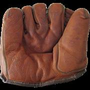 Major League Baseball scarce George Snuffy Stirnweiss model Reach LH infielder baseball glove 1940's